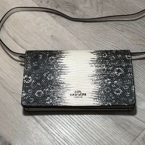 Coach Foldover Crossbody Bag Clutch Lizard-embosse
